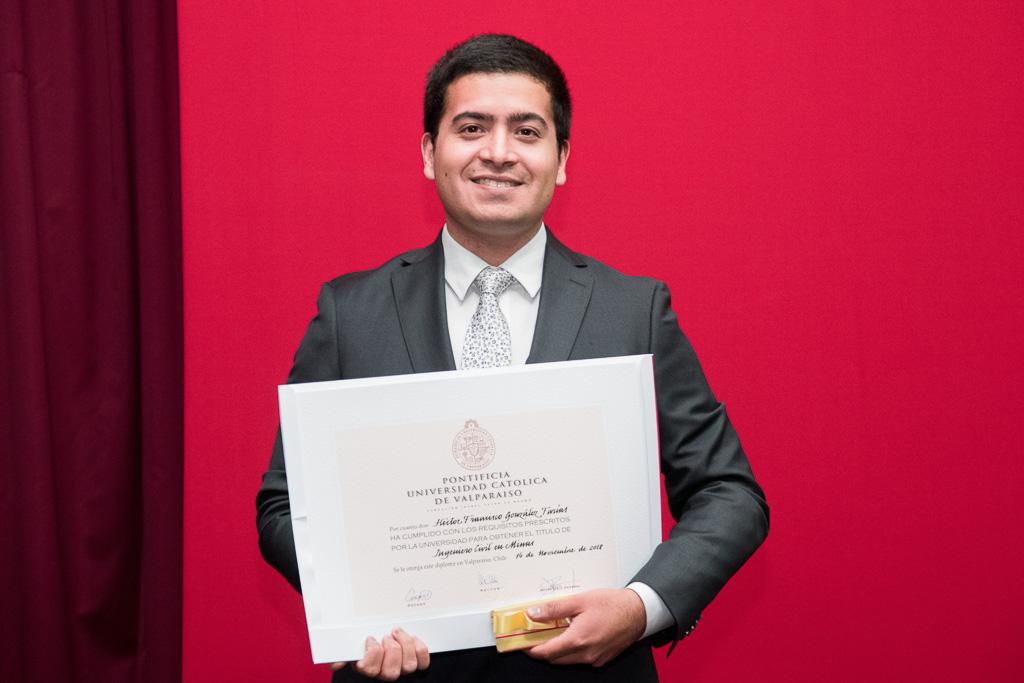 Héctor González P.
